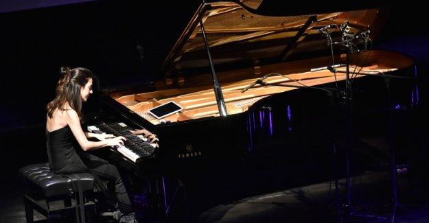 Genç piyanist büyüledi