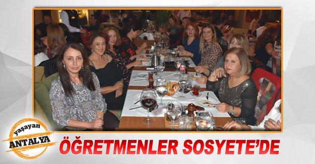 Öğretmenler Sosyete'de