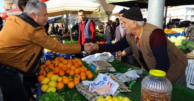 Başkan Sözen pazar yerinde