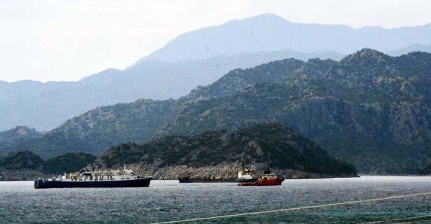 Gemiler Çayağzı Limanı'na sığındı