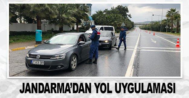 Jandarma'dan yol uygulaması