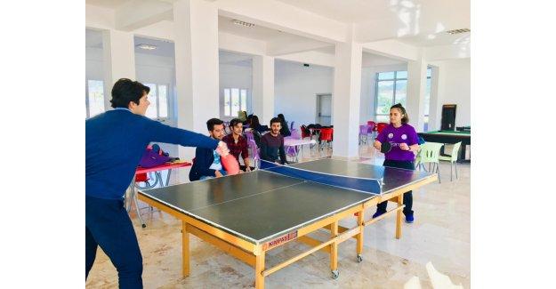 Öğrencilerden tenis turnuvası