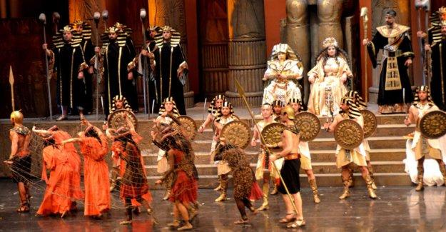 Aida'ya alkış yağmuru