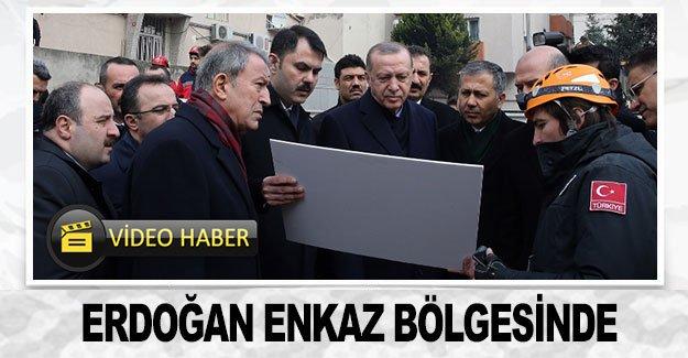 Erdoğan enkaz bölgesinde