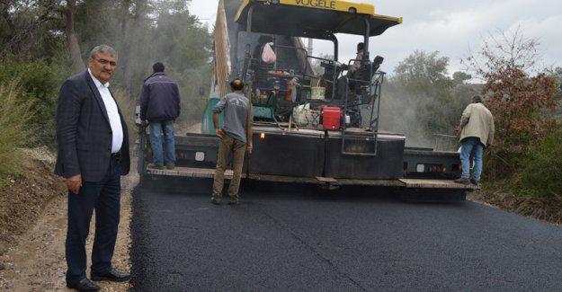 Grup yoluna sıcak asfalt