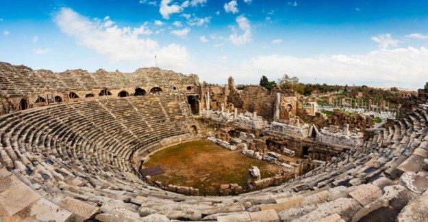 Antik tiyatroda müzik festivali