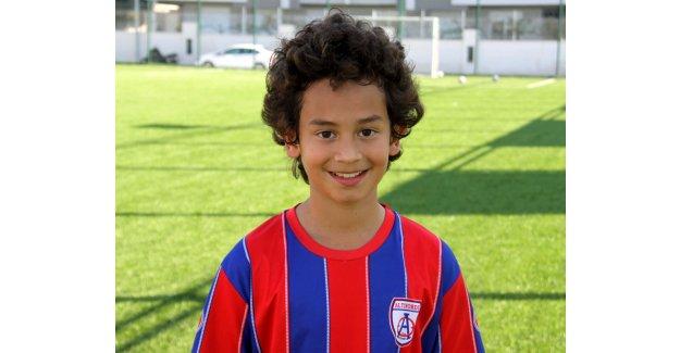 En genç lisanlı futbolcu