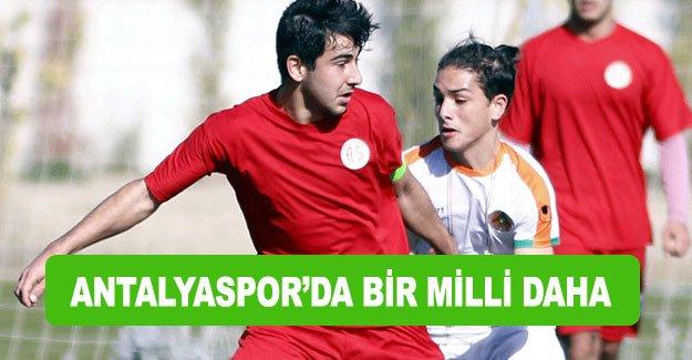Antalyaspor'da bir milli daha