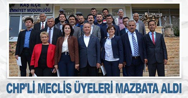 CHP'li meclis üyeleri mazbata aldı