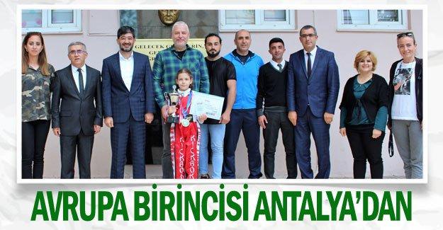 Kick Boks'ta Avrupa birincisi Antalya'dan