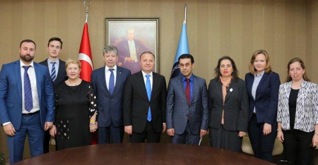 Puşkin Üniversitesi ile protokol