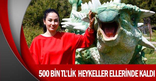500 bin TL'lik  heykeller ellerinde kaldı