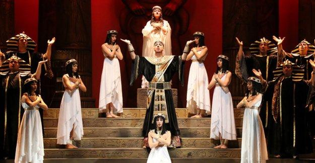 'Aida' veda etti