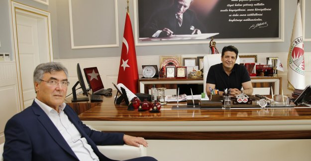 AK Parti'li meclis üyesi CHP'ye katıldı