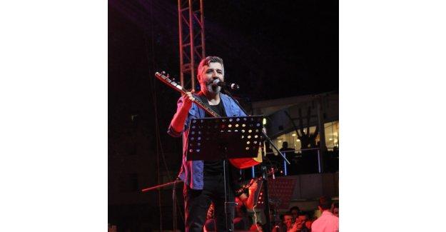 Ali Kınık konser verdi