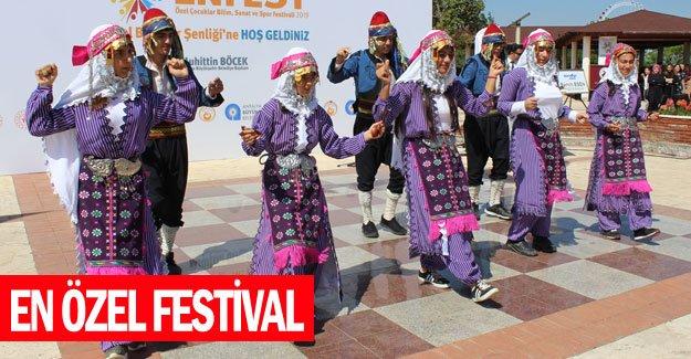 En özel festival