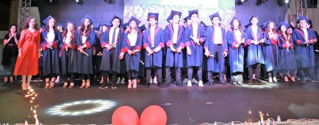 Envar'da mezuniyet sevinci