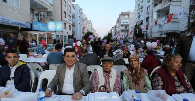 İlk iftar sofrası Ulus'ta