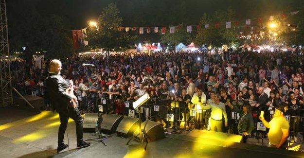 Konyalılar Gecesi'nde anneler unutulmadı