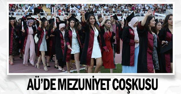 AÜ'de mezuniyet coşkusu