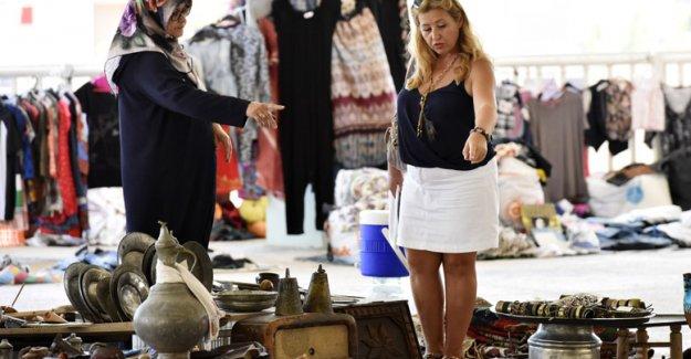 Muratpaşa'da antika pazarı