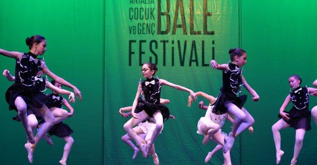 Muratpaşa'da Çocuk ve Genç Bale Festivali