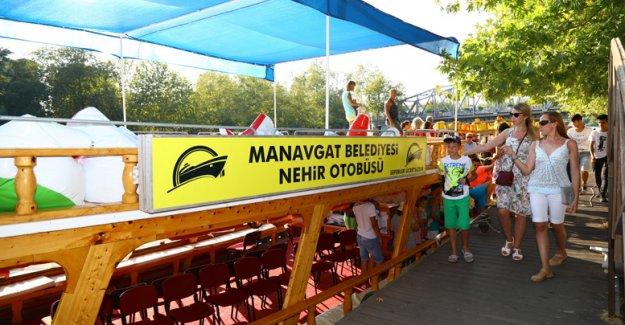 Manavgat'ta ücretsiz 'nehir otobüsü'