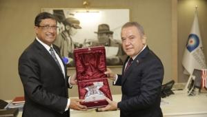 Büyükelçi, Başkan Böcek'i ziyaret etti