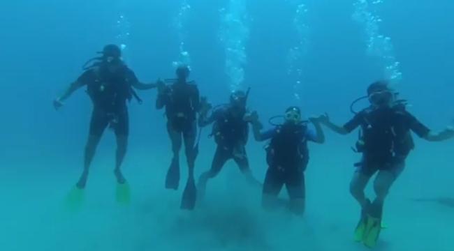Deniz altında horon