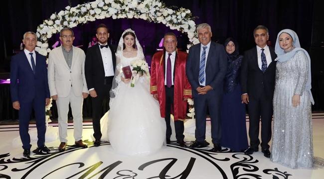 Eski başkanın oğlu evlendi