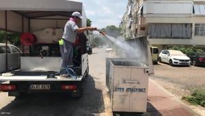 Kepez'de cadde ve sokaklar yıkanıyor