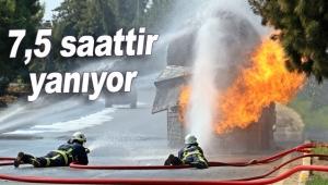 LPG tankeri 7,5 saattir yanıyor