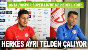 HERKES AYRI TELDEN ÇALIYOR