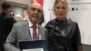 Prof. Dr. Duran Canatan, 'Örnek Kıdemli Vatandaş'