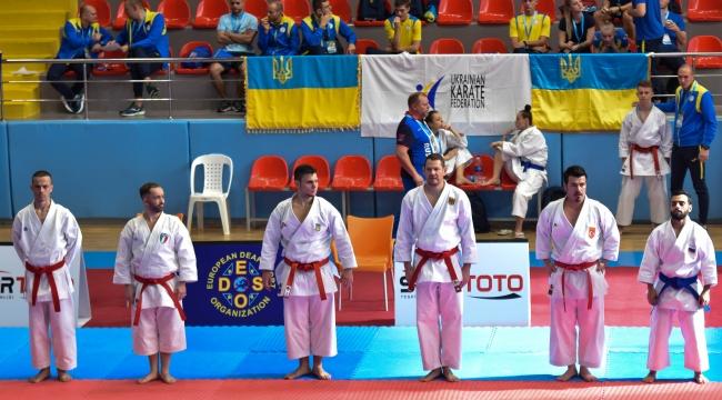İşitme engelli karateciler tatamiye çıktı