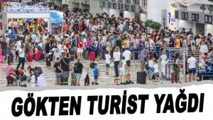 Gökten turist yağdı