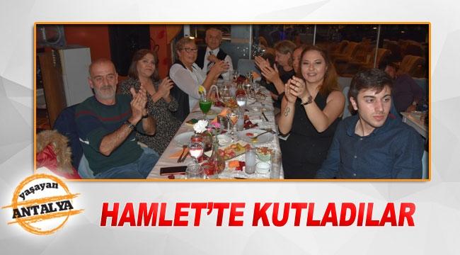 Hamlet'te kutladılar