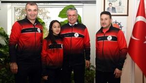 Milli karateciden Başkan'a ziyaret