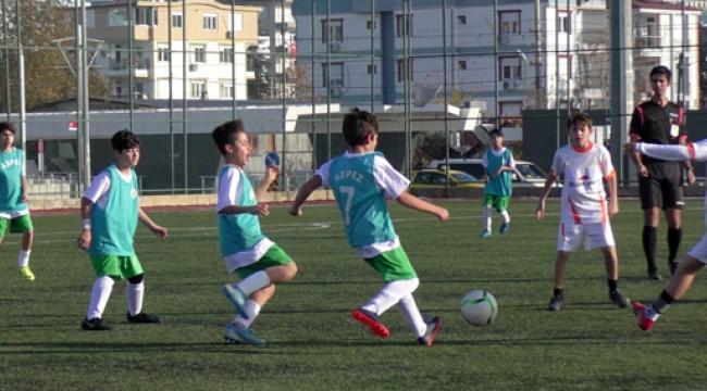 Futbol turnuvası sürüyor