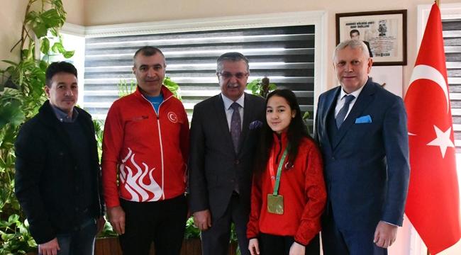 Şampiyondan Başkan'a ziyaret