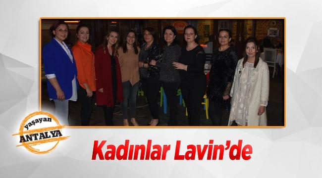 Kadınlar Lavin'de
