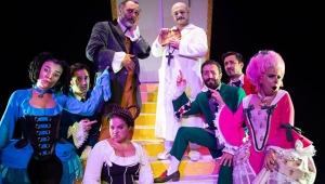 'Tartuffe' iki ayrı sahnede