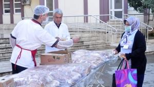 Vekil Çokal'dan sağlık çalışanlarına kahvaltı