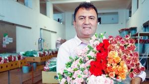 'Stresi azaltmak için çiçek satın alın'