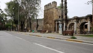 Turizm kenti sessizliğe büründü, sokaklar boşaldı
