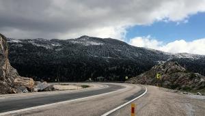 Antalya'nın Göktepe Yaylası'nda mayıs karı