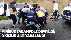 Minibüs şarampole devrildi; 9 kişilik aile yaralandı