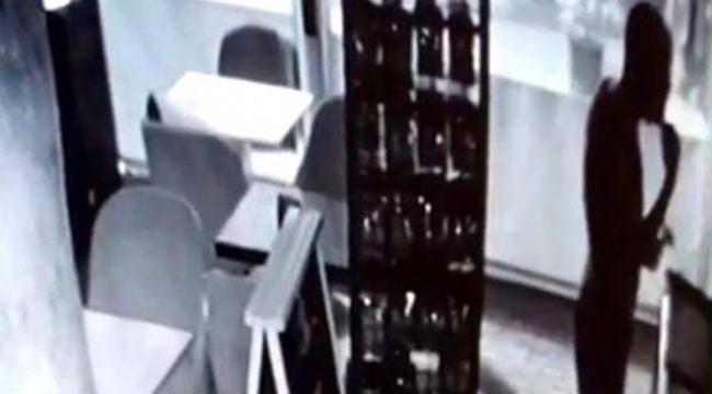 Hırsız, girdiği kafede dondurma yedi