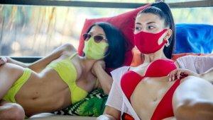 Plaj ve sahillerde 'trikini' modası