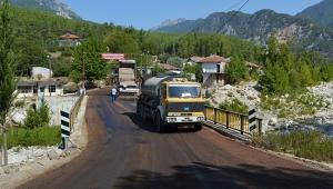 Büyükşehir'den grup yoluna asfalt